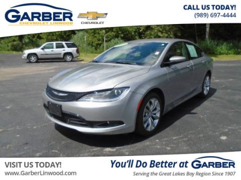 Pre-Owned 2015 Chrysler 200 S FWD Sedan