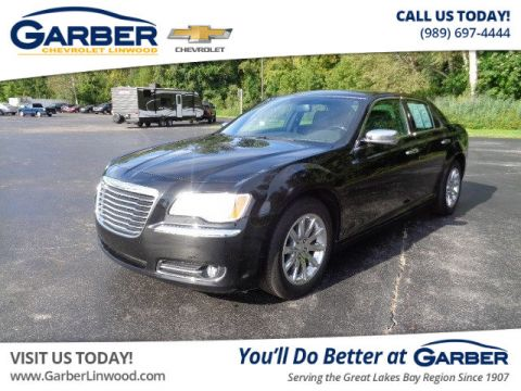 Pre-Owned 2014 Chrysler 300C  RWD Sedan